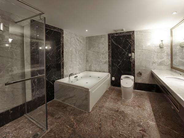 Dekor kamar mandi anda agar terlihat lebih mewah berita for Dekor kamar hotel ultah