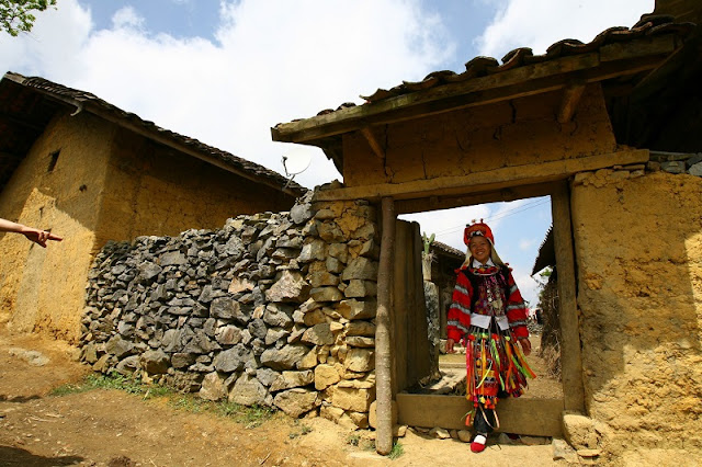 Traditional houses of Mong people 3