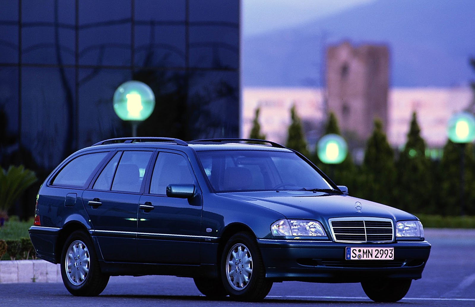 0 to 62mph  OFFICIAL : Mercedes C-Class: The History (part 6/9