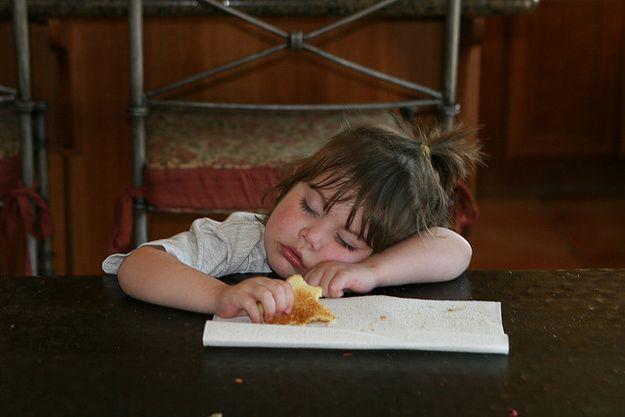 Foto Foto Lucu Bayi Tertidur Saat Sedang Makan Www Blogapaaja