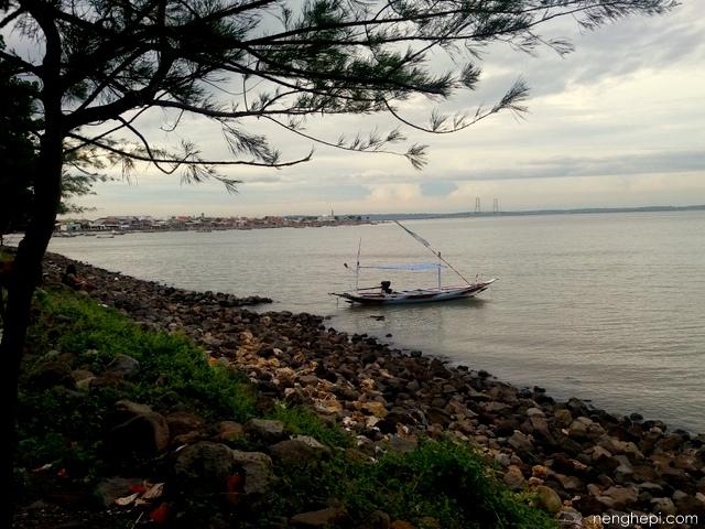 Sepanjang Pantai Kenjeran Surabaya - Wisata Kota Surabaya