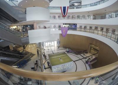 kondisi dalam bangkok art and cultural centre