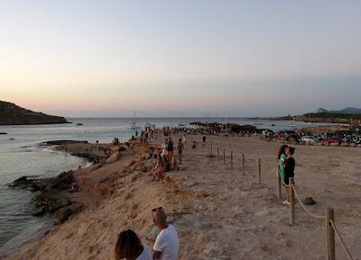 Puesta del sol en cala Conta. Puestas del sol en Ibiza