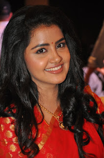 anupama parameswaran new saree stills