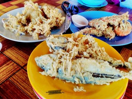 ikan celup tepung, ikan celup tepung pok nong, warung pok nong, melawat terengganu