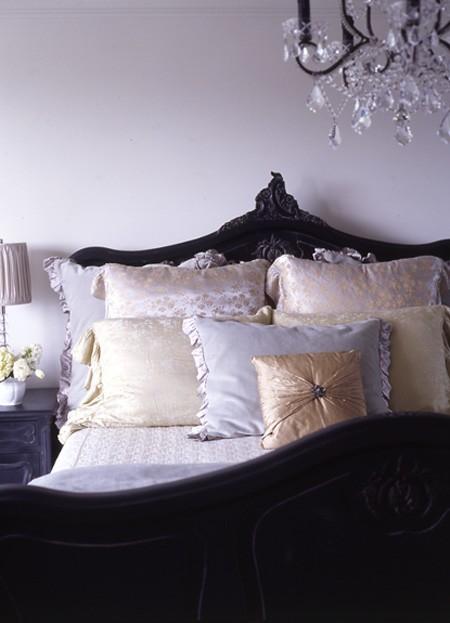 Romantic Bedrooms Design