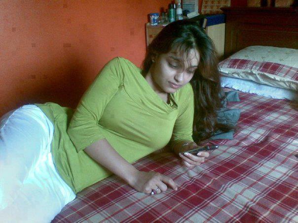 Tight Salwar Sleeping Girls