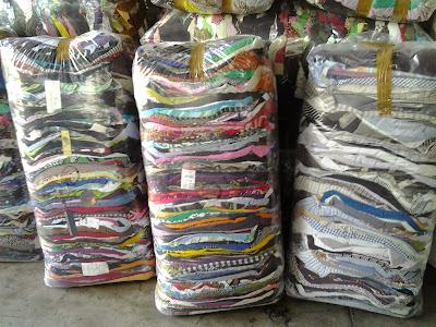 Empresa mayorista especializada en clasificar ropa de segunda mano