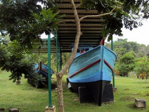 Monumen Perahu Kampung Vietnam Batam