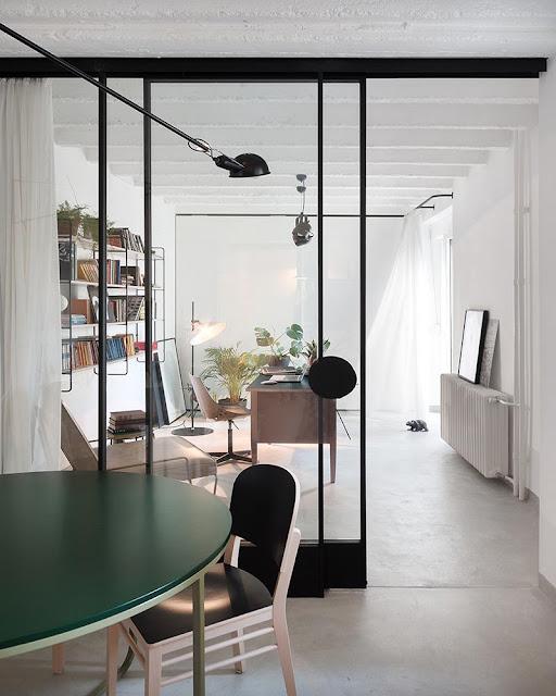 espace bureau séparé pièce principale