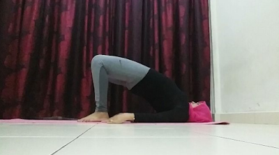 Yoga, senaman, fitness, workout, senaman untuk kempiskan perut, posisi yoga, pelvic tilt pose, bridge pose