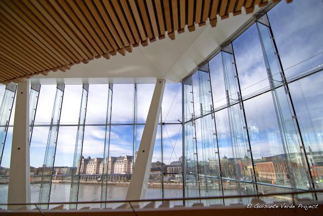 Interior de la Ópera, Oslo, por El Guisante Verde Project