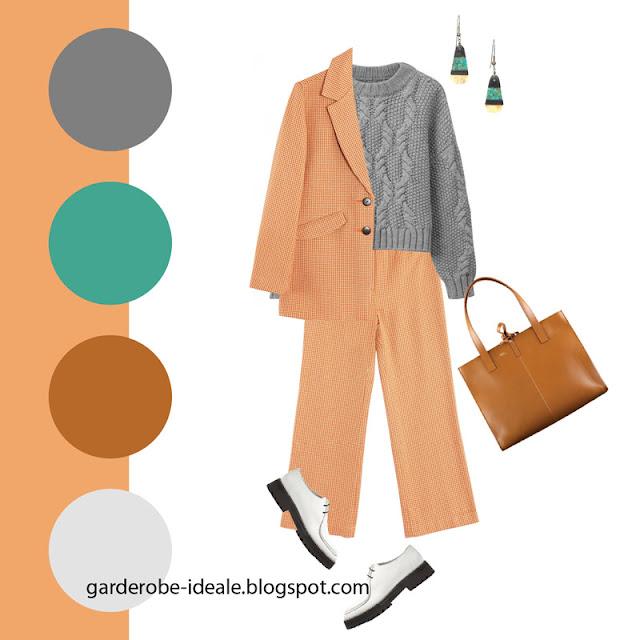 Персиковый костюм с нейтральным серым свитером и коричневой сумкой