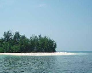 http://www.teluklove.com/2017/04/destinasti-objek-wisata-pulau-opak_14.html