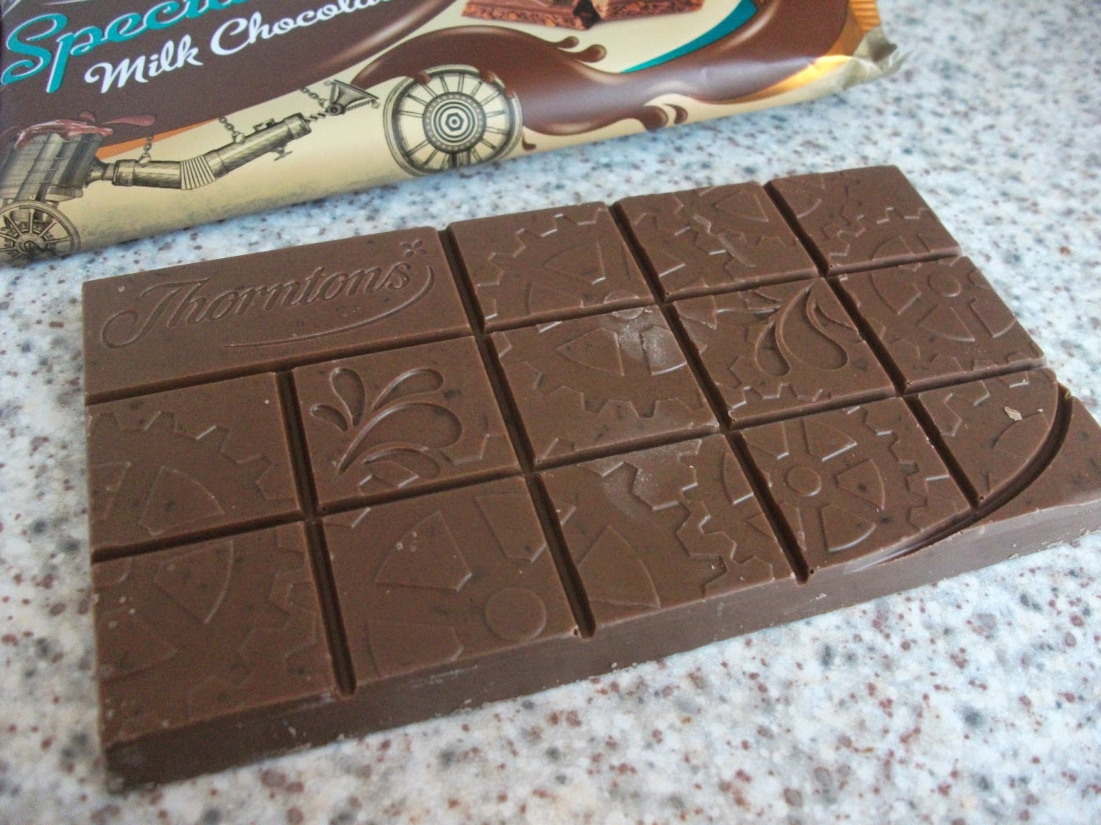 Thorntons Special Toffee Fabulous Fudge Milk Chocolate
