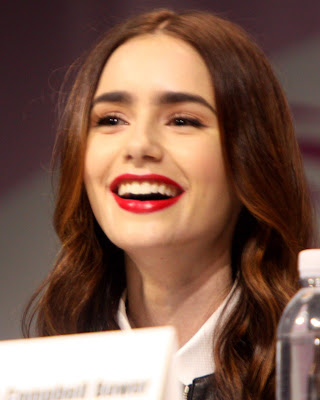 https://www.aruescribir.com/2019/05/lily-collins-american-actress.html