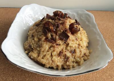 Zdrowy deser z ryżu i daktyli