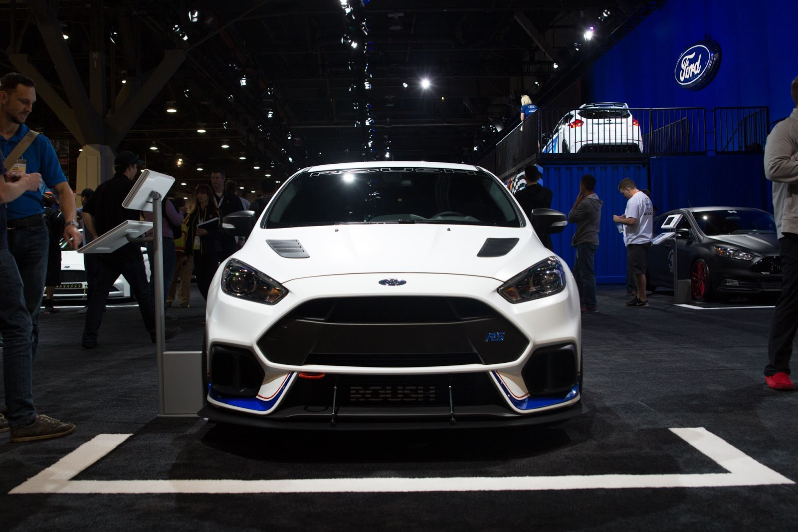 roush 39 s 500 hp ford focus rs turned heads at sema carscoops. Black Bedroom Furniture Sets. Home Design Ideas