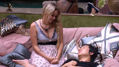 BBB20: Marcela pergunta para Pyong 'Você acha que os meninos são vilões lá fora?'