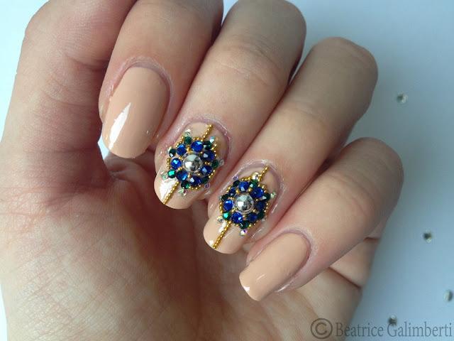 nail art russa con gioielli_01