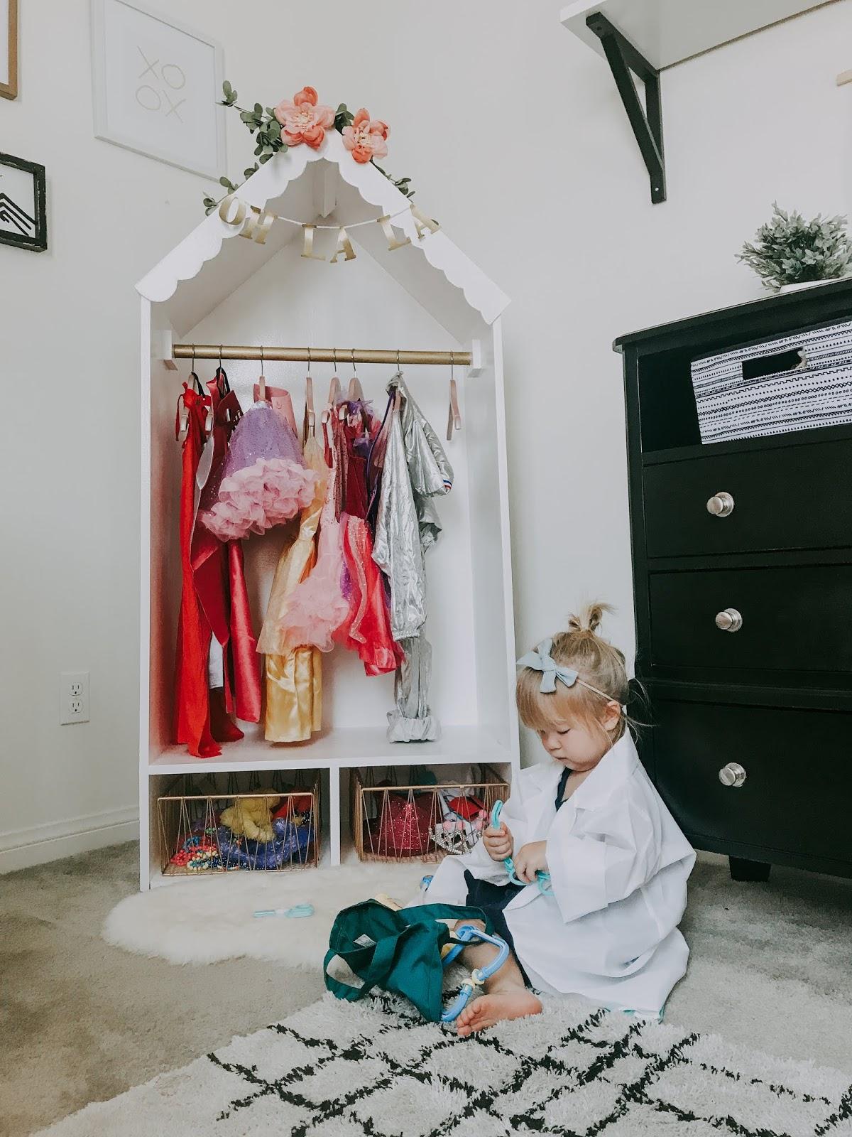 Marlowe And Mama Diy Dress Up Closet