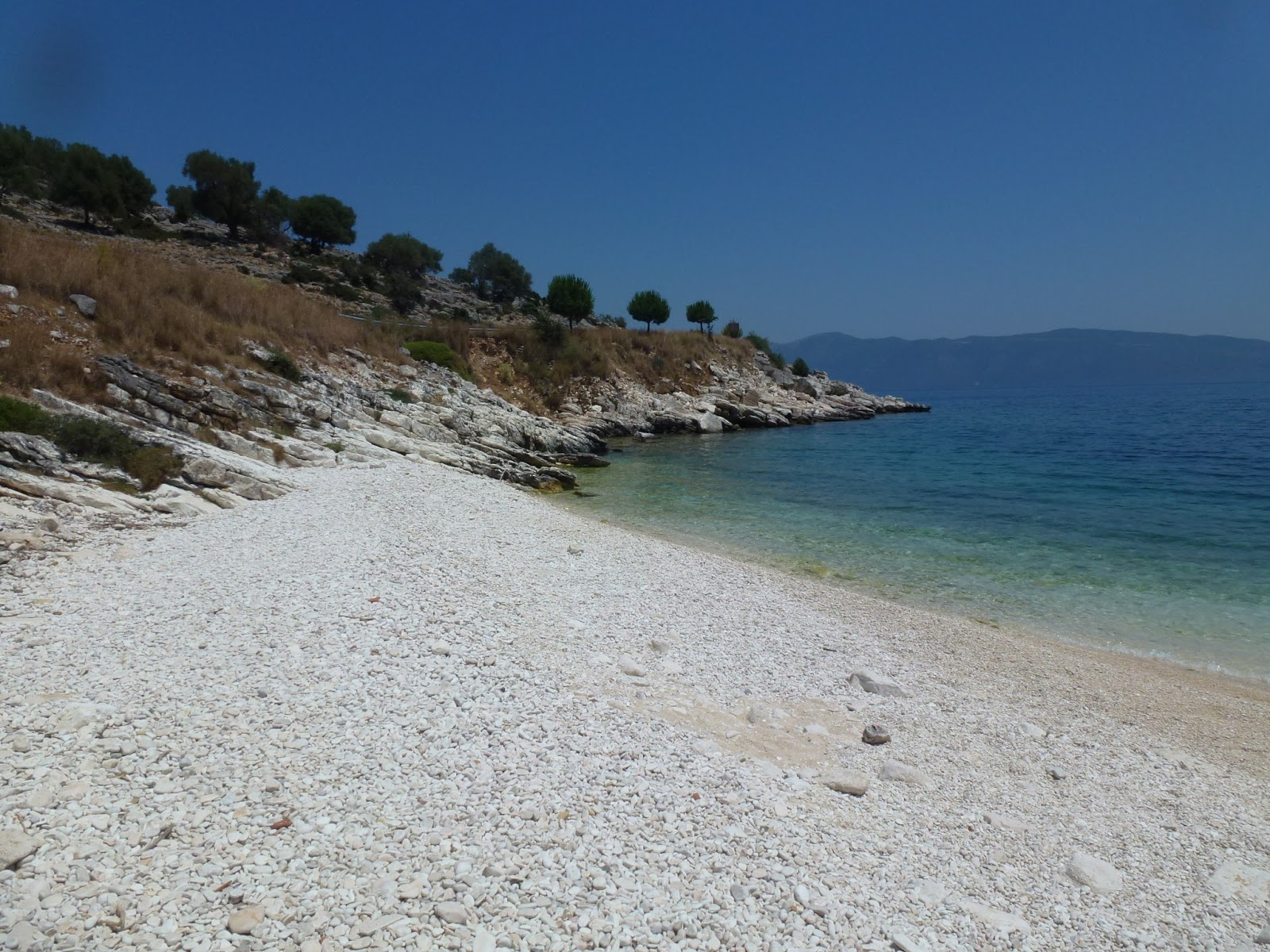 shingle-beach-kefalonia