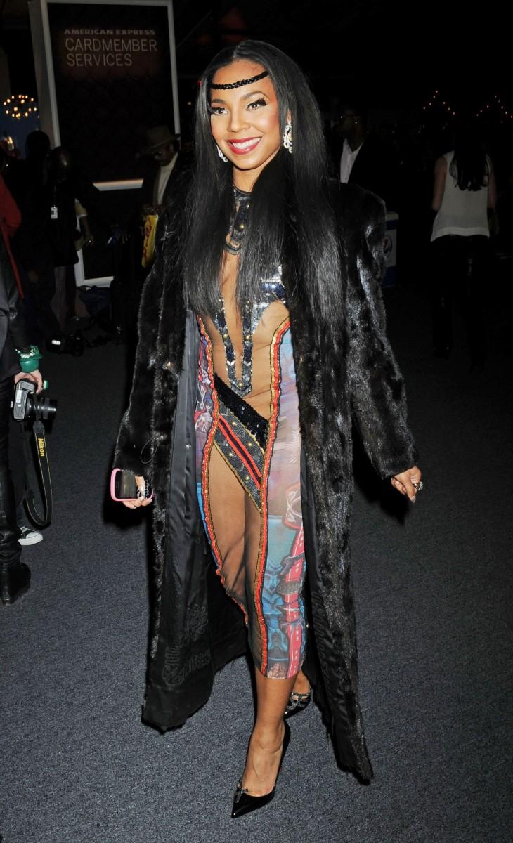 Ashantis raunchy Pocohantas-inspired dress at New York