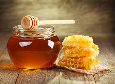 Honey for pimples and acne