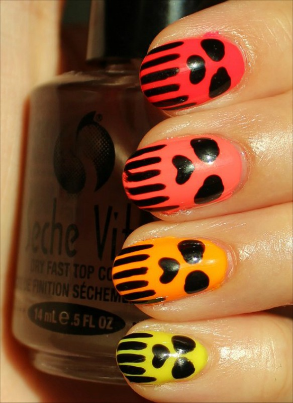 BEAUTY: Skull Nails