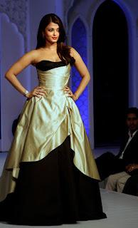 Aishwarya Rai Beautiful Dress On Ramp