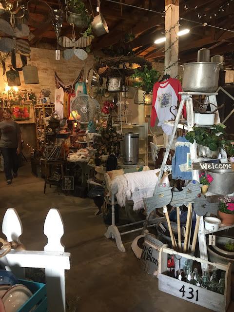 vintage market space