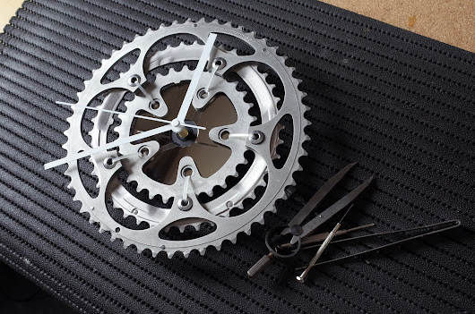 Chain ring wall clock