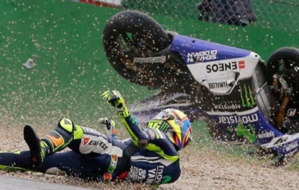 Rossi Terjatuh di Sirkuit Assen, Belanda 26/06/2016