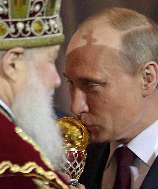 """A desinformação russa veicula no Ocidente  que Putin teria a """"missão providencial"""" de salvar o cristianismo"""