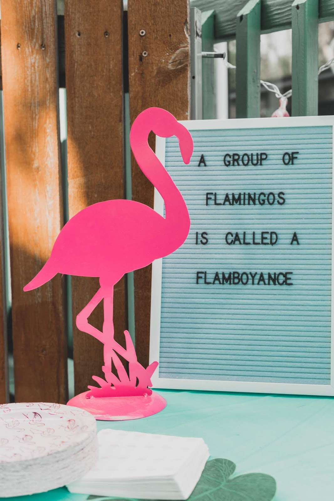 flamingo party decor