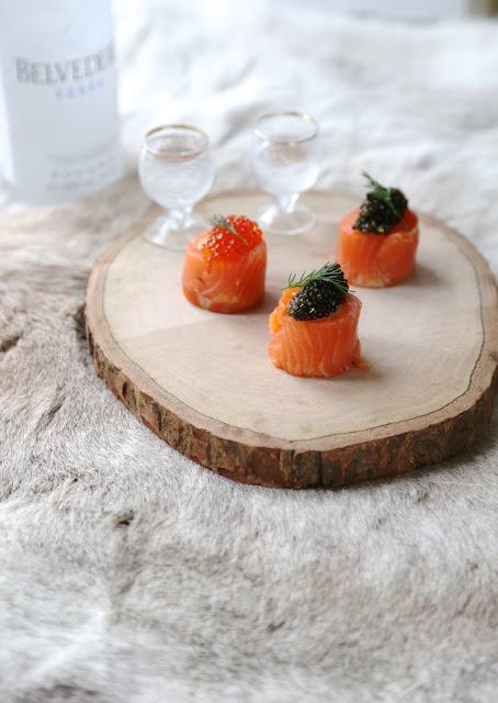saumon , fumé , caviar , pomme de terre