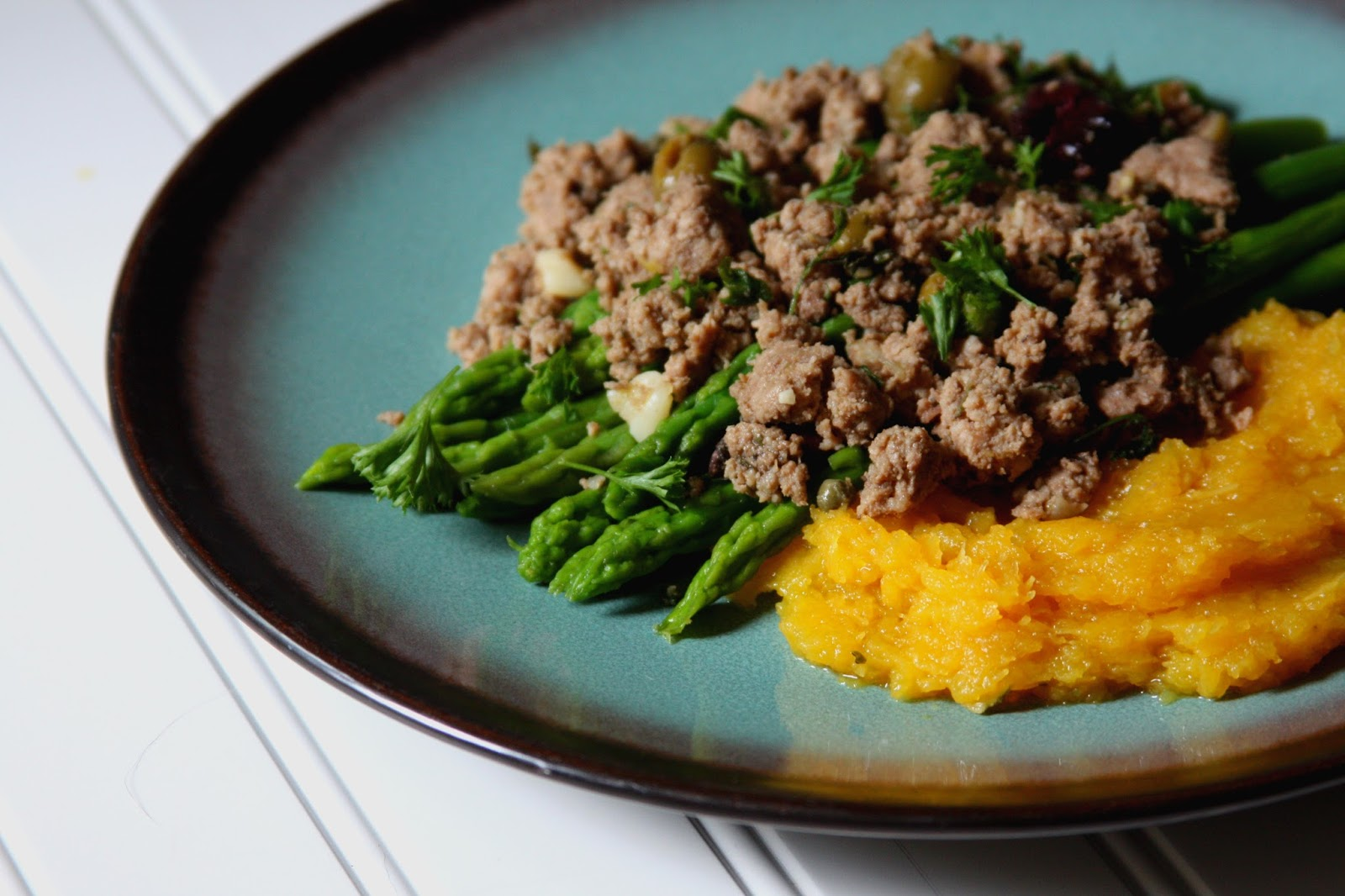 Greek inspired ground turkey chicken liver saut with mashed acorn first i have to admit that i am a big fat baby when it comes to eating my liver i have been able to tolerate many other types of offal forumfinder Gallery
