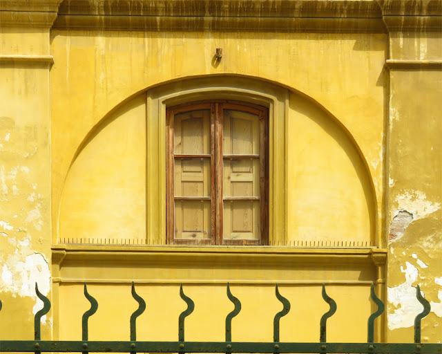 Window and railing, Via dei Pescatori, Livorno