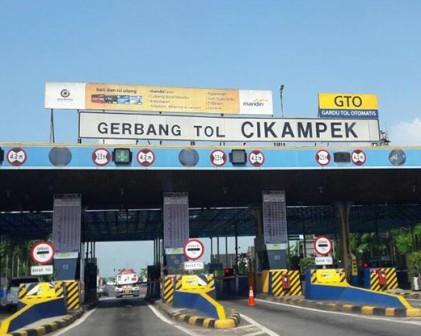 12 Maret Berlaku Paket Kebijakan Mengatasi Kepadatan di Ruas Tol Jakarta - Cikampcek