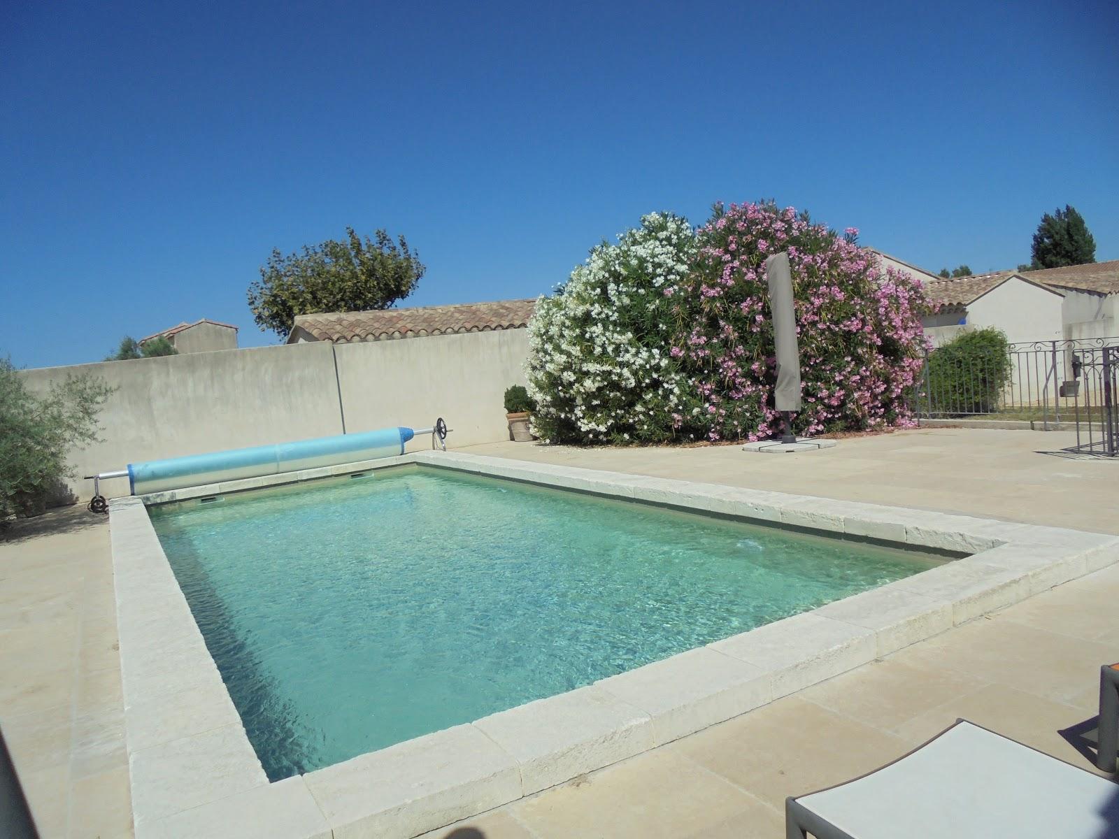 Sandrine gonnet mandataire immobilier sur eyragues et ses for Vente de piscine