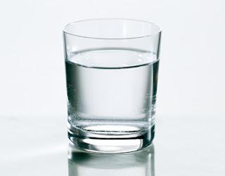 9 Manfaat Minum Air Putih Hangat Islamic Daily