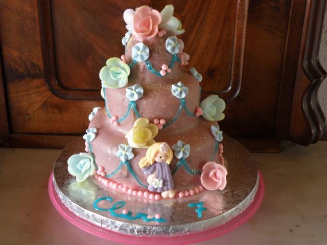Dreistöckige Mini-Torte mit Fertigdeko für gestresste Schwangere... ;)