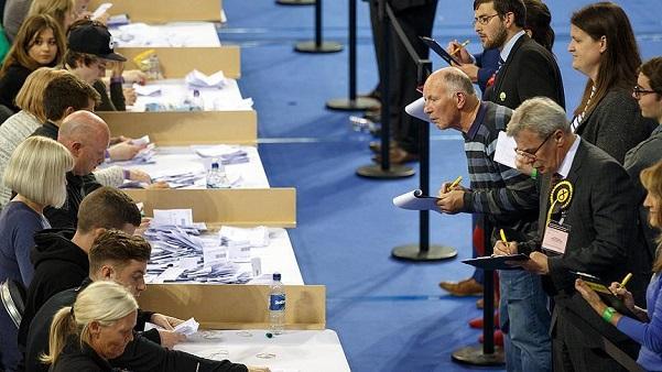 15 مسلمًا يفوزون بمقاعد في مجلس العموم البريطاني