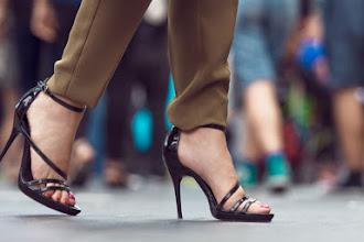 Tips Mengenakan Sepatu Bagi Para Wanita Saat Bekerja