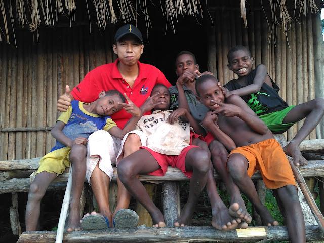 Bermain dan Bersantai di Rumah Bujang Kampung Biopis