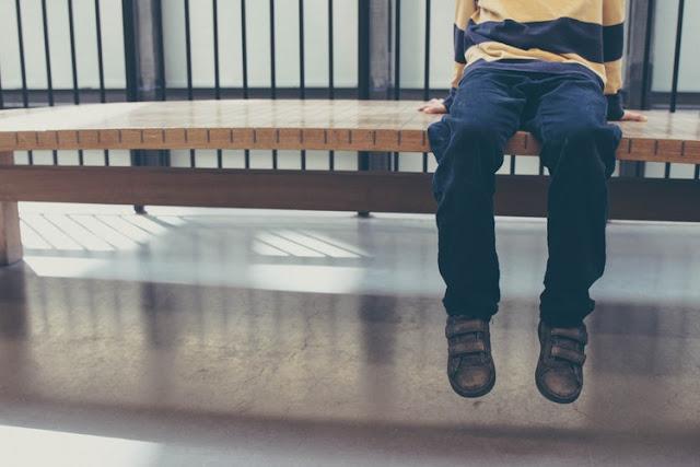 Ciri ciri Anak Autis dan Penanganannya