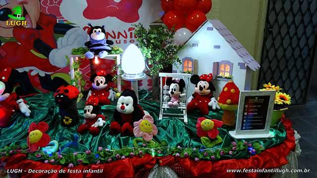 Decoração de mesa decorativa de tecido com o tema da Minnie vermelha