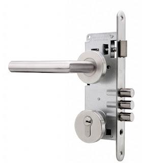 Instalación de cerraduras de sobreponer multipunto Tesa
