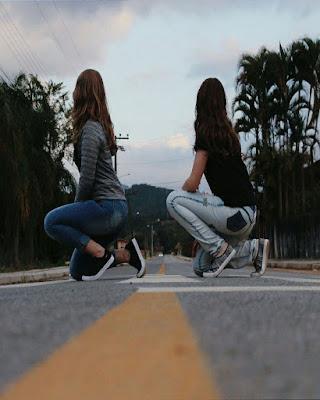 pose de amigas en la calle tumblr fácil de hacer