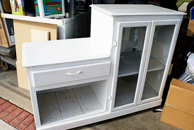 Dishfunctional Designs: Old Furniture Upcycled Into Dollhouses ...
